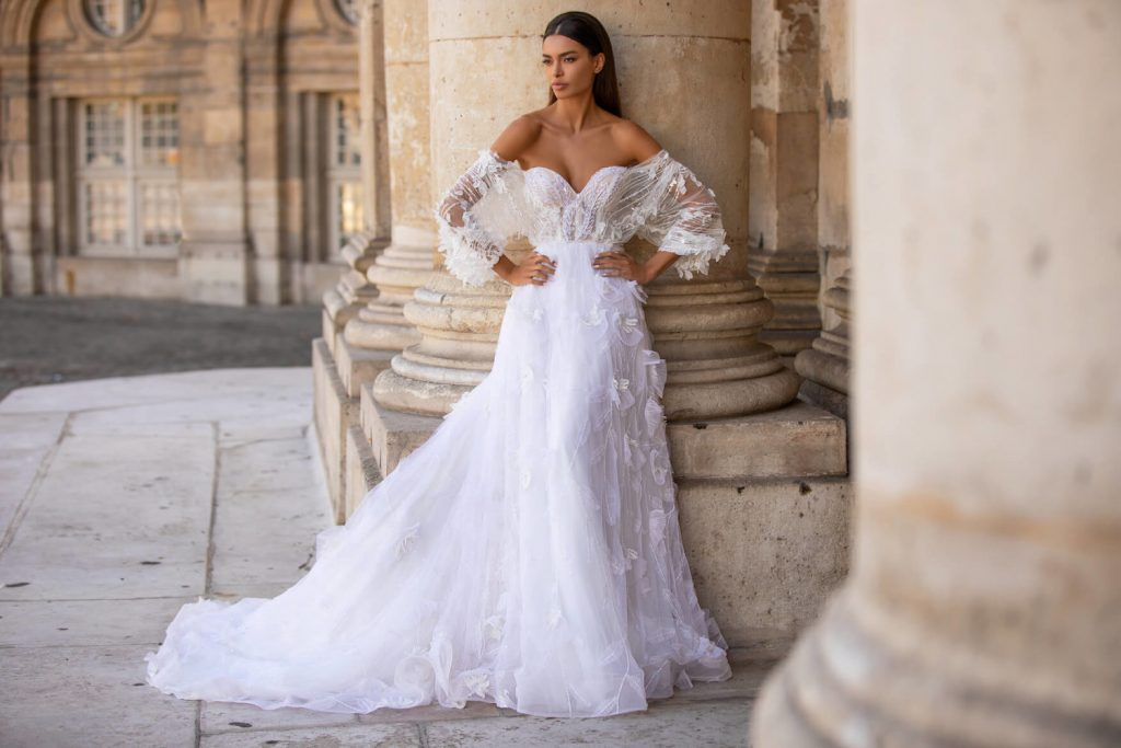 Wholesale wedding dresses suppliers