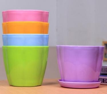 plastic container cost